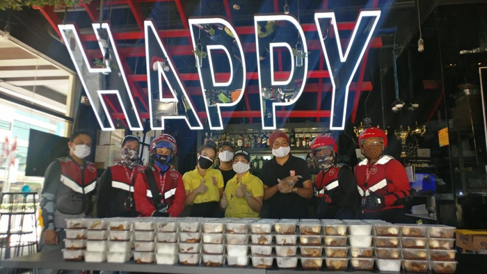 From happy hour to happy heroes: Food drive by Mimi & Bros feeds more than 10k health workers
