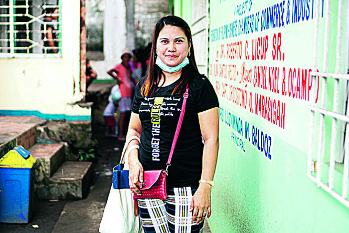 ARC helps Taal evacuees to 'drink positive'