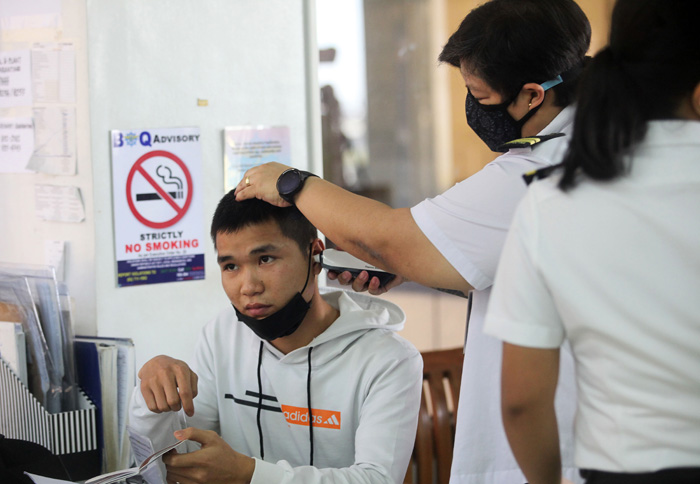 Virus scare grips nations