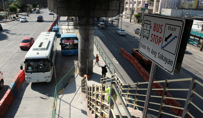 EDSA Busway rolls out with 12 stop stations