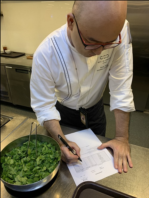 Learn useful DIY tips from chefs, housekeepers