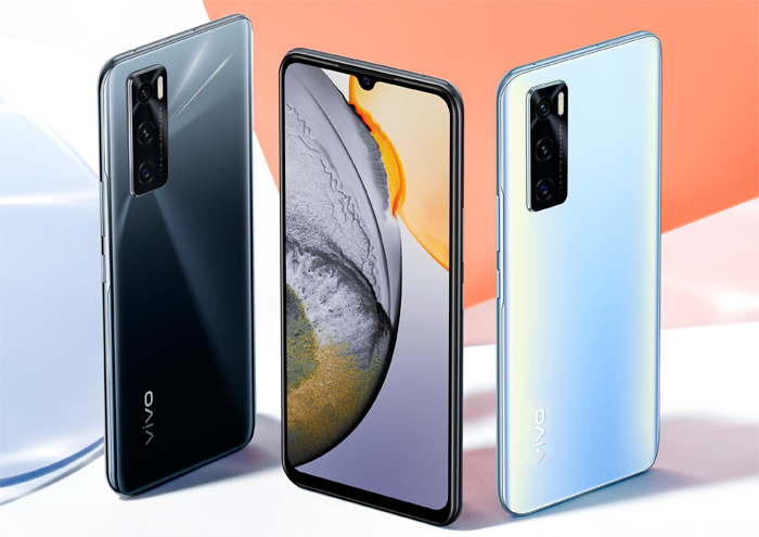 Reward yourself with a vivo phone, perfect for your lifestyle this Christmas
