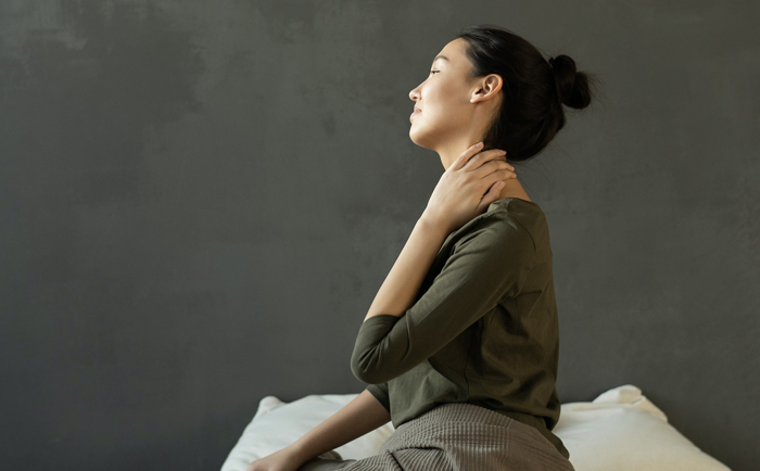 Doctor says: 5 daily activities that cause neck pain