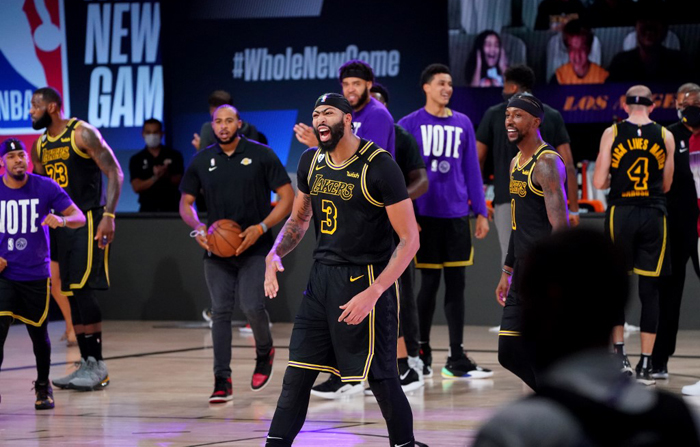 Davis triple lifts Lakers to 2-0 lead over Nuggets