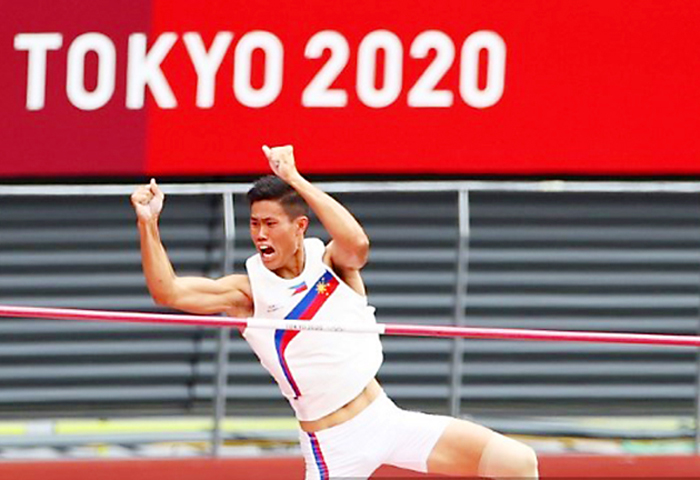 Petecio, Obiena move a step toward another Olympic gold