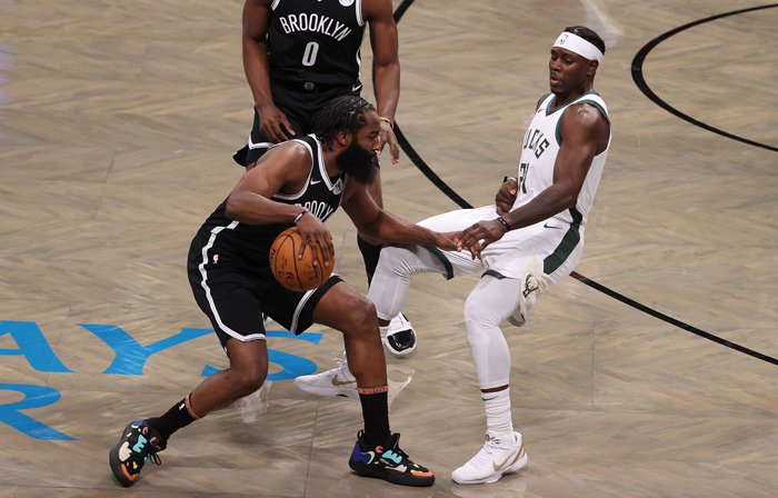 Harden, Durant lead Nets past Bucks, Randle the hero for Knicks