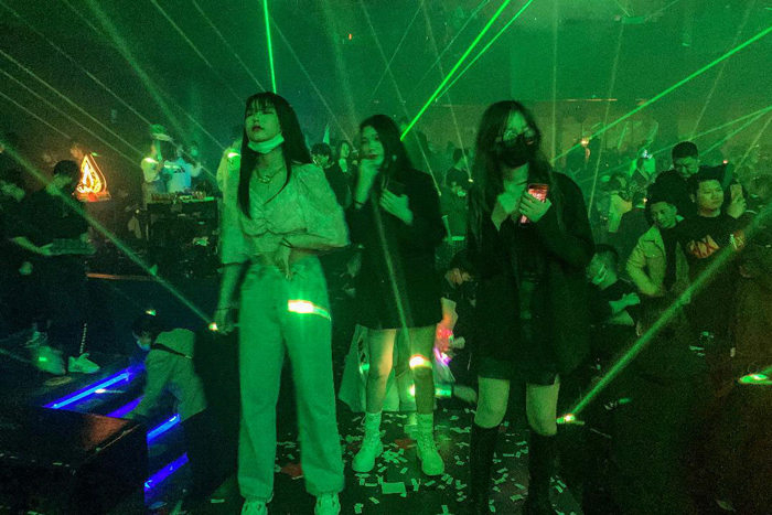 Wuhan nightlife back with a vengeance