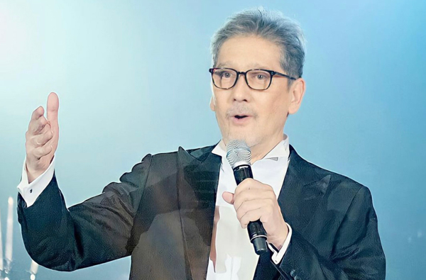 Former Star Magic head Johnny Manahan aims to train a new breed of stars in GMA Artist Center.