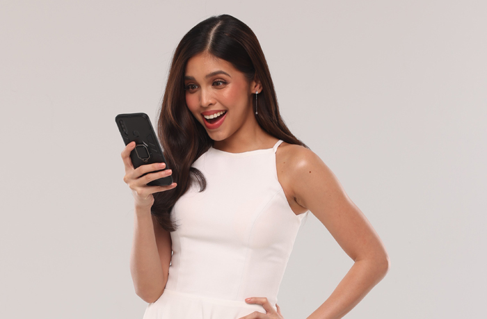 Social media savvy Maine Mendoza is the face of Smart's GigaPay