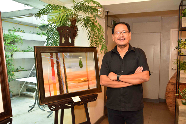 Sunshine Place Recreation Center painting instructor Fidel Sarmiento mounts 38 of his paintings at the online exhibit 'Padayon: Showcasing Life's Continuity Through Art'.