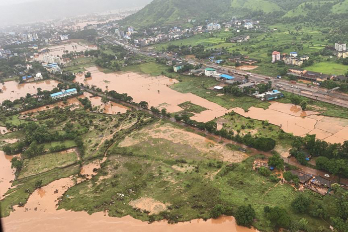 Monsoon floods leave thousands stranded in India