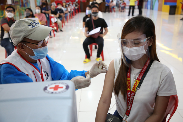 SMDC rolls out vaccination program for residents, employees