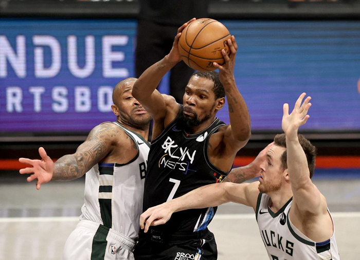 Durant delivers a game for the ages to lift Nets