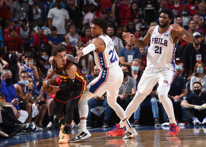Hawks stun no. 1 Sixers; Booker fuels Suns in Game 1