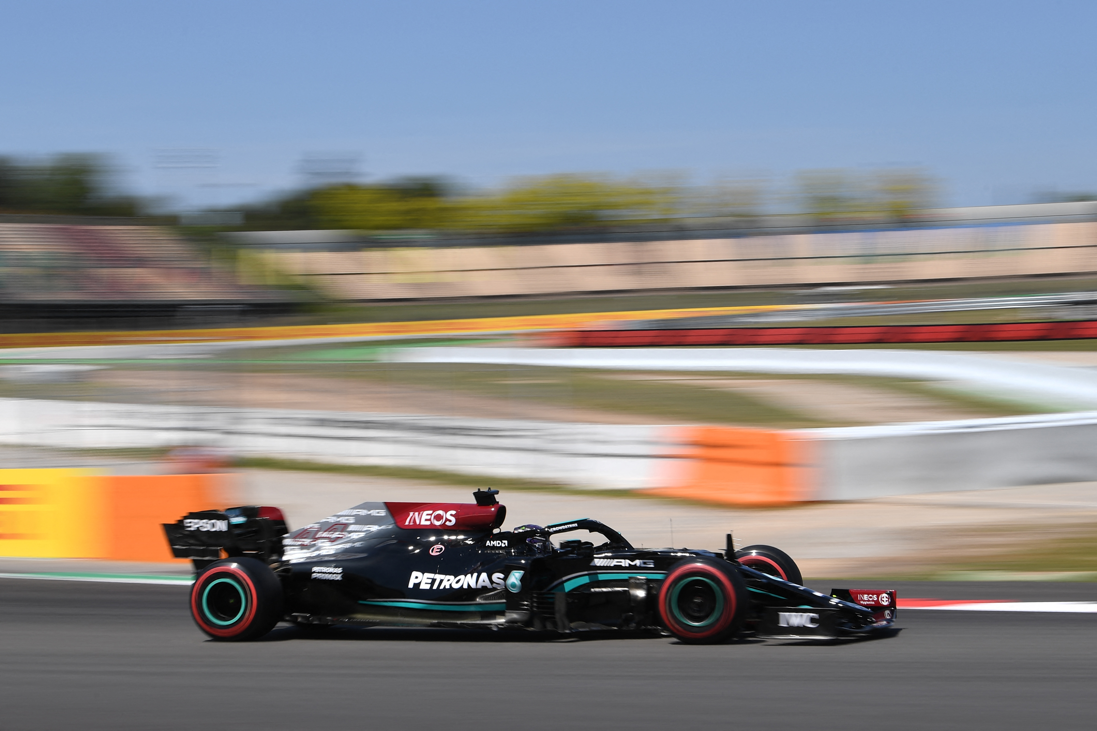 Hamilton claims 100th pole in qualifying for Spanish Grand Prix