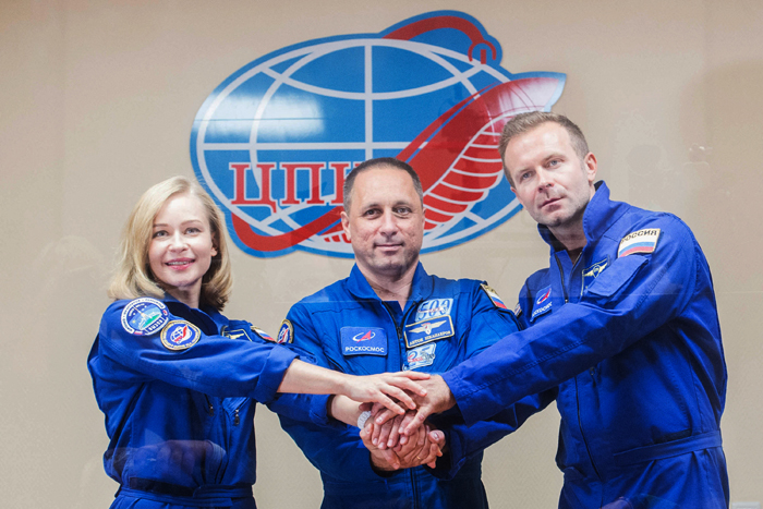 Russian crew set for blast off to film first movie in space