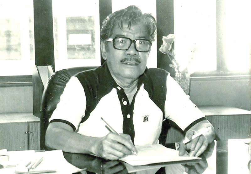 Mars Ravelo was a comic book cartoonist and graphic novelist who created  (right photo) Captain Barbell, Darna, Lastikman, and other characters that made a great impact on popular culture.